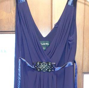 Scarlett Nite size 8 purple dress like new